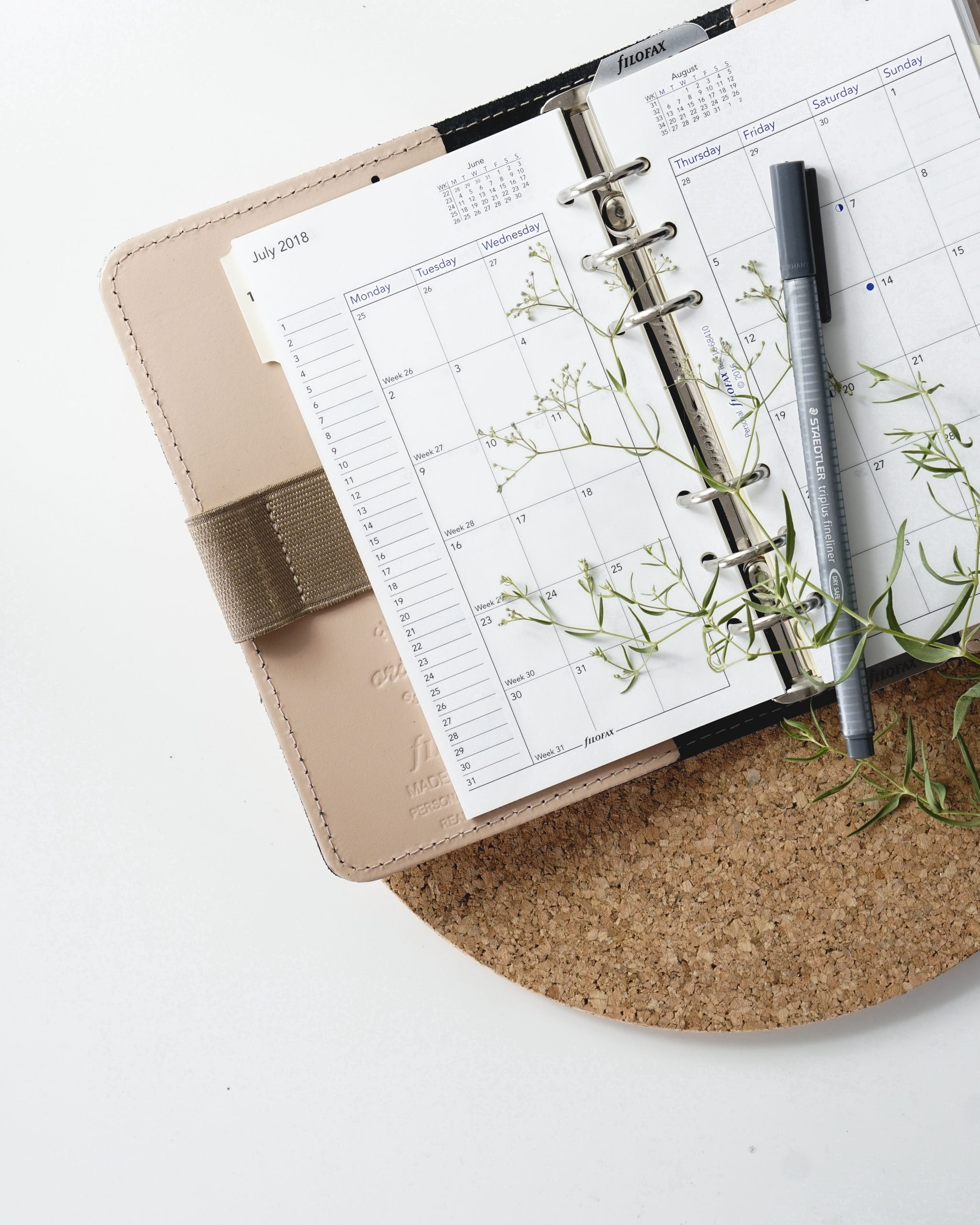 Productivity Hacks: How To Switch Up Your Routine When You're Unmotivatedf